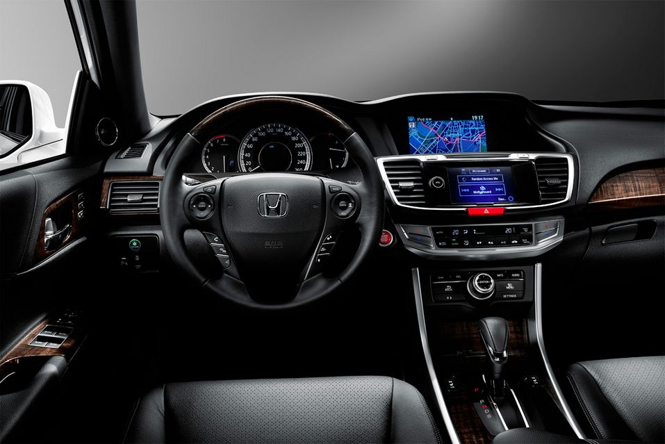 Интерьер Honda Accord 2016
