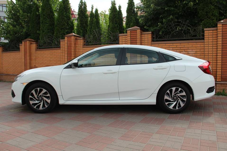 Десятое поколение седана Honda Civic